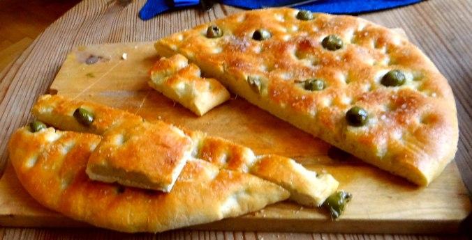 Hummus,Salate und Foccacia (14)