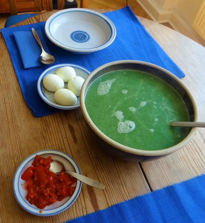 Brennesselsuppe mit Ei (3)