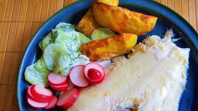 Scholle,Ofenkartoffel,Salate (10)