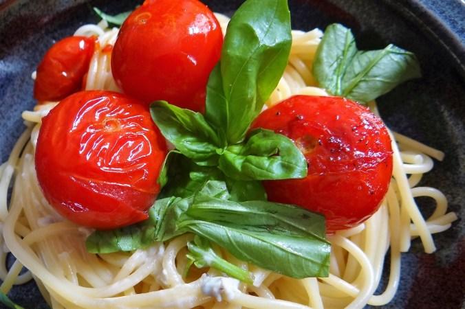 Spaghetti,Gorgonzola Sauce,Tomaten,Dessert (3)