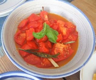 Süßkartoffel Gnochi mit Pesto und confierten Tomaten (14)