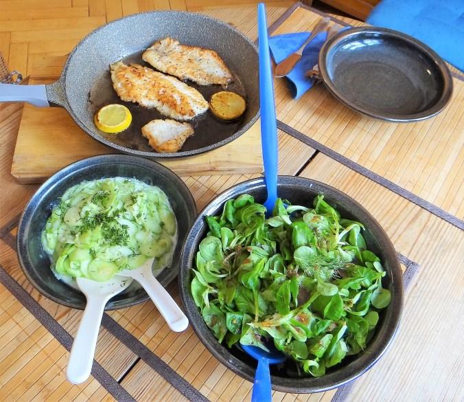Rotbarsch mit Dillsauce,Salate, (4)