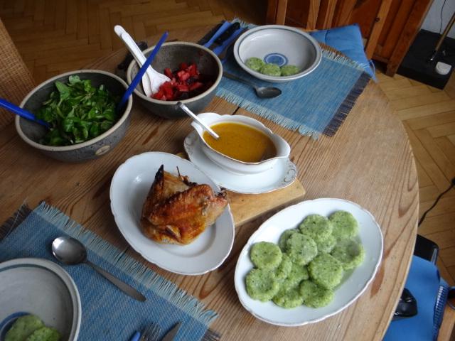 Hähnchen,Bärlauchtaler,Salate (12)
