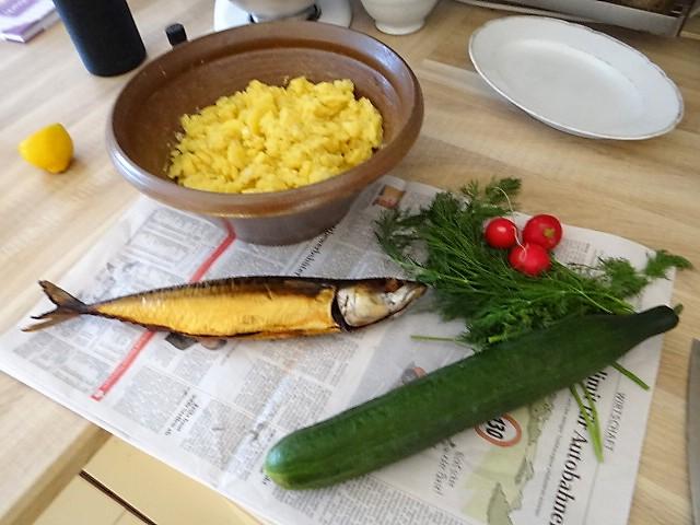 Kartoffelsalat und gräucherte Makrele,Birne in Glühwein , (13)