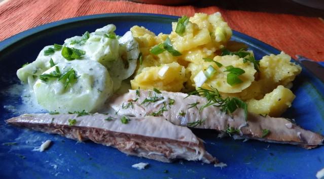 Kartoffelsalat und gräucherte Makrele,Birne in Glühwein , (22)