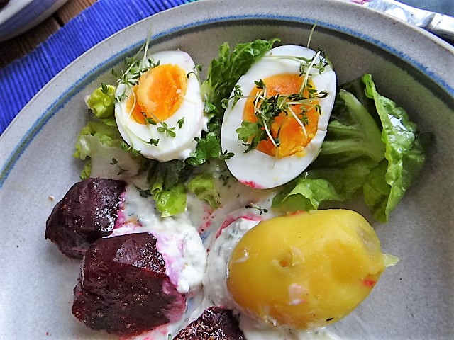 Meerrettichquark,Rote Beete,Ei,Salat,Pellkartoffeln (3)
