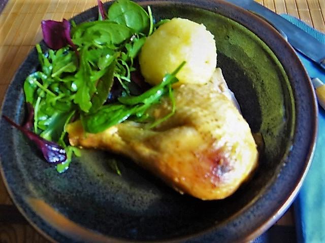 Mais Poularde,mediterraner Salat,Klöße halb und halb (1)
