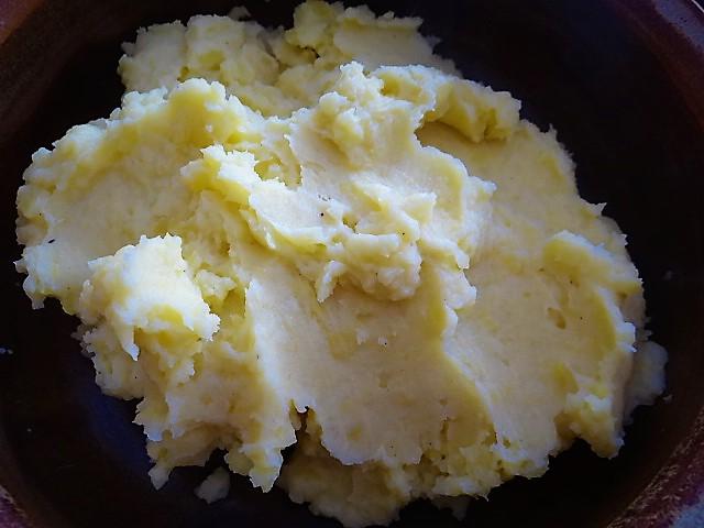 Schweinebauch Roulade mit Sauerkraut und Kartoffelstampf (15)