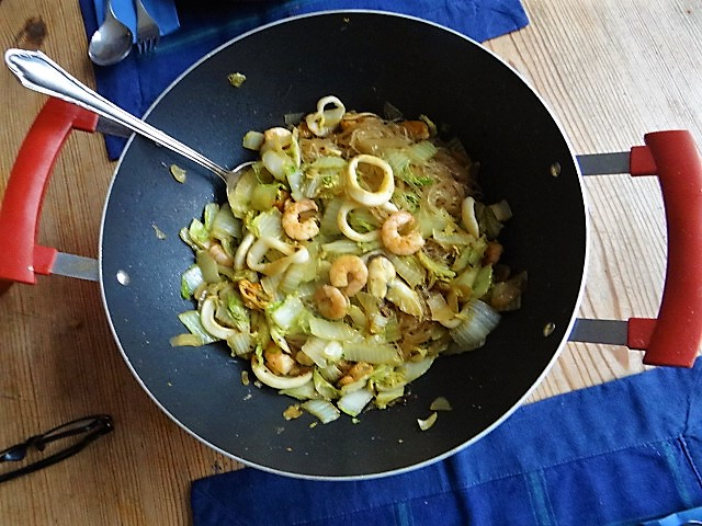 Spitzkohl mit Meeresfrüchten (3a)