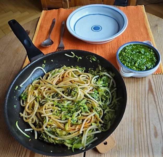 Hartweizengries Nudeln mit Zucchini Zoodles (5)