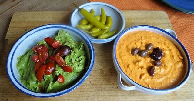 Kartoffel Zoodles, Gemüse im Gärkorb, Ajvar Feta Creme, Guacamole (3)