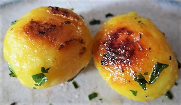Marinierter Hering,Bunter Salat, Bratkartoffeln (21)