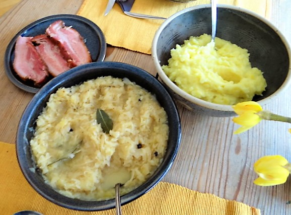 Sauerkraut,Wellfleisch,Kartoffelstampf (3)