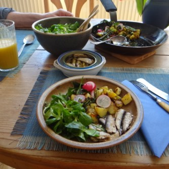 Bratkartoffel,Sprotten,Salat (15)