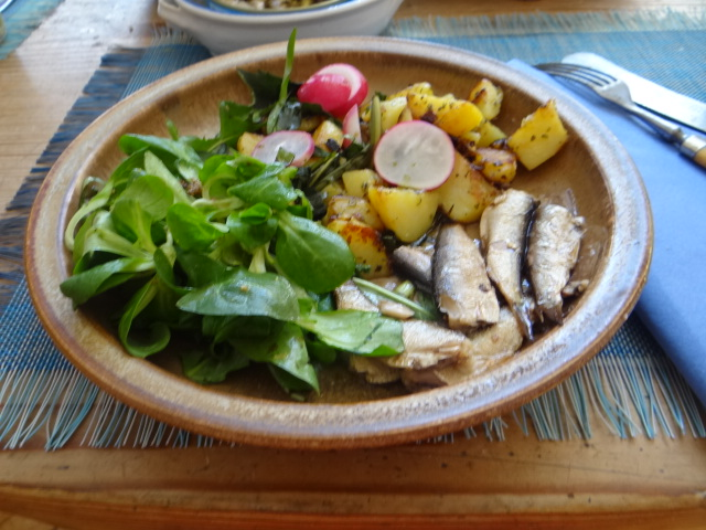 Bratkartoffel,Sprotten,Salat (17)