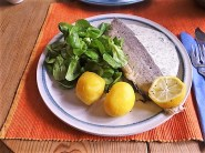 Forelle mit kalter Dillsauce und Feldsalat (18)