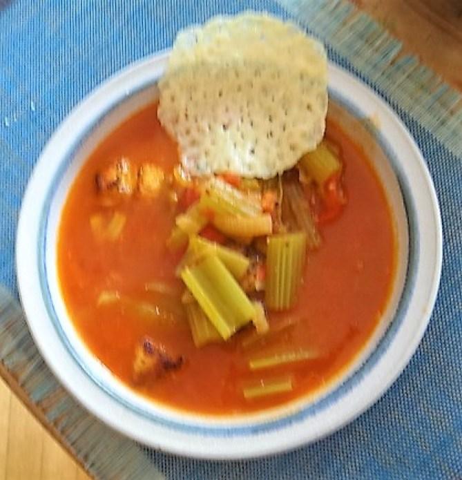 Staudensellerie Suppe mit Weißbrot (1)
