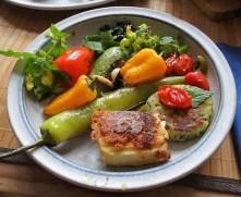 Gebratenes Gemüse mit gebackenem Feta und Kartöffeltaler (21)