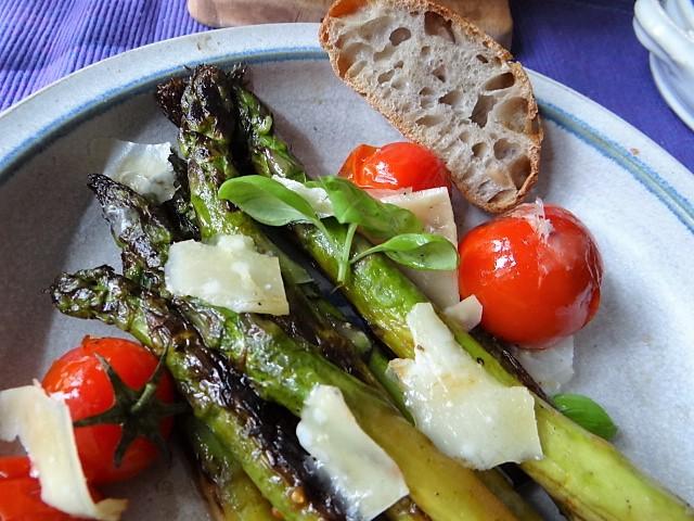 Grüner Spargel mit Tomaten (1b) (3)