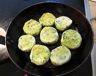 Kartoffeltaler mit Guacamole und Wildkräutersalat (18)