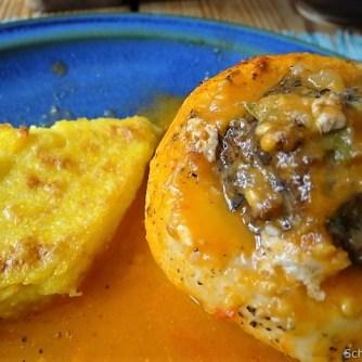 Gefüllte Mairübchen und Tomaten mit Polenta (24)