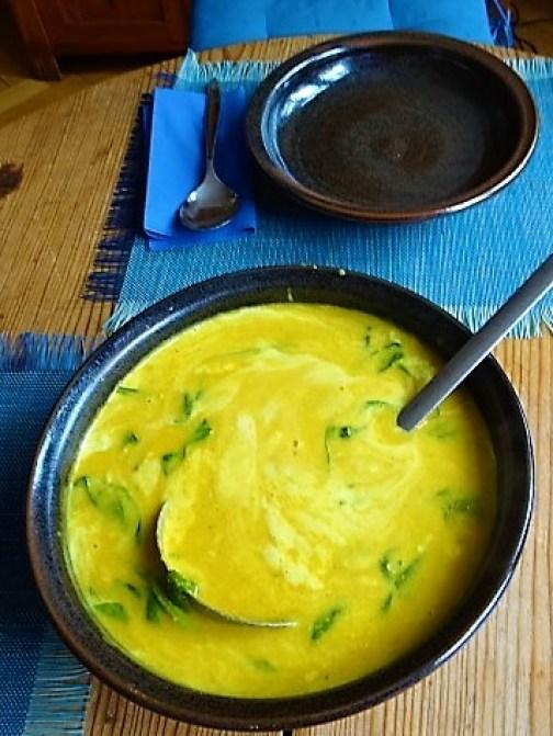 Kartoffel,Süßkartoffelsuppe mit Kichererbsen und frischem Spinat (28)