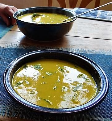 Kartoffel,Süßkartoffelsuppe mit Kichererbsen und frischem Spinat (35)