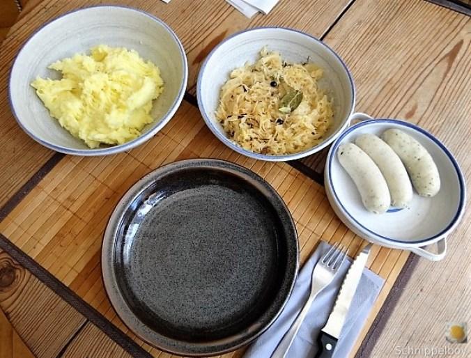 Sauerkraut,Kartoffelstampf,Weißwurst (1)