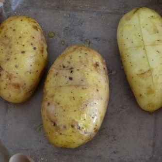 Backkartoffel mit Dip, Tomatensalsa,Avocado und hartgekochten Eiern (7)