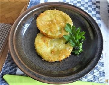Frittierte Zucchini mit Gorgonzolasauce (25)
