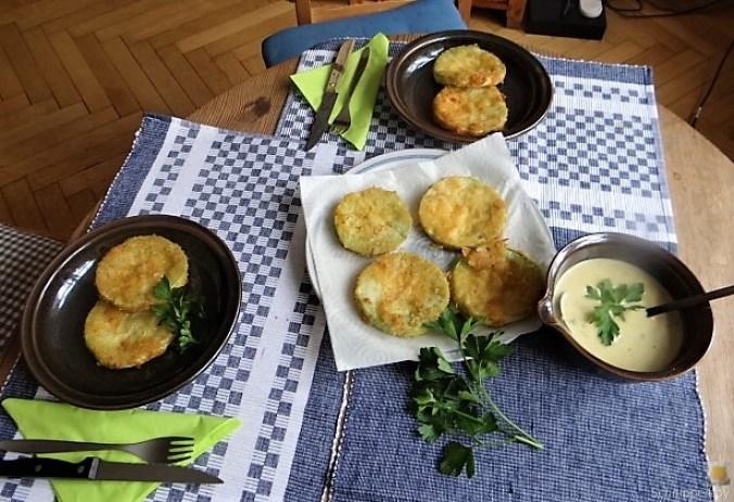 Frittierte Zucchini mit Gorgonzolasauce (4)