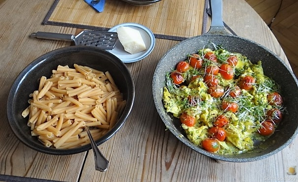 Linsennudeln, Tomaten mit Rührei (8)