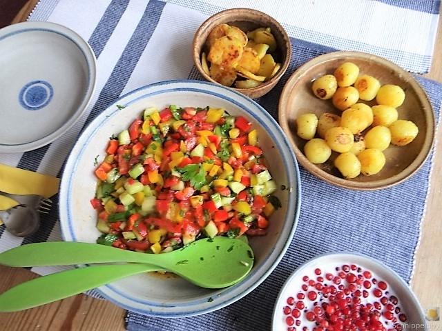 Salat(orientalisch), kleine Kartoffeln, Matjesfilet (9)