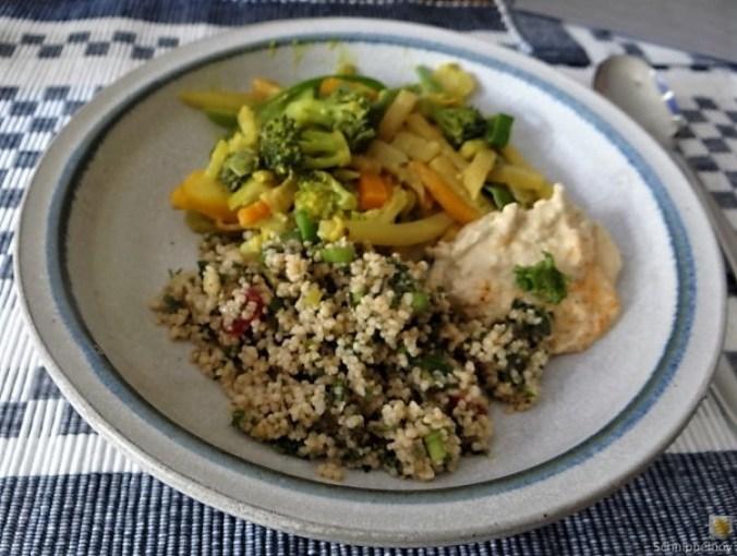 Wokgemüse, Tabouleh, Hummus, Spillinge (2)