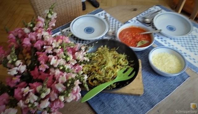 Zucchini ,Kartoffel Zoodles,Tomatensoße (30)