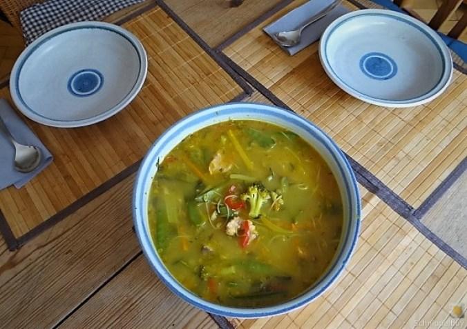 Scharf-Saure Gemüsesuppe mit Garnelen und Lachs (5)