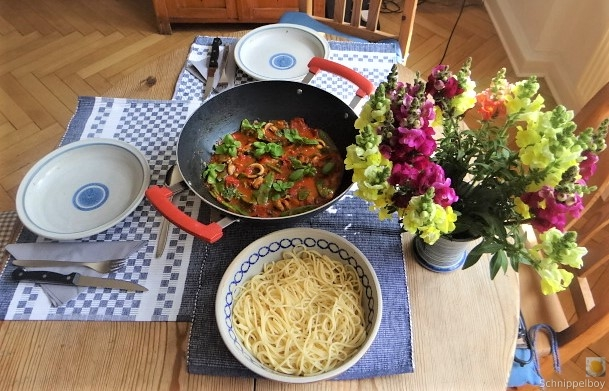 Tomaten, Meeresfrüchte, Spaghetti, Trauben (4)
