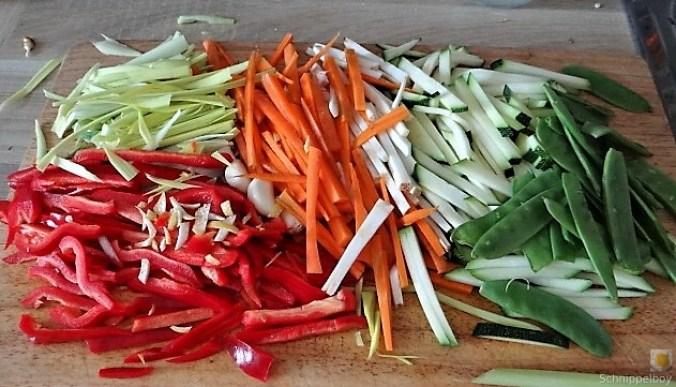 Wokgemüse mit Reisnudeln und Fleisch (7)