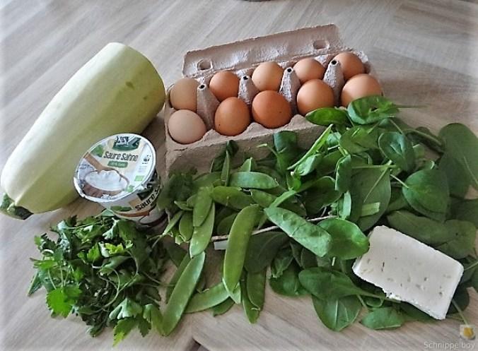 Zucchini und Spinatsauce, gebratene Zucchinischeiben, Erbsenschoten, Eier (6)