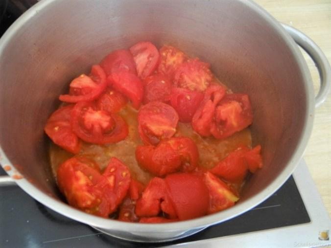 Schmorgurke, Tomatenragout, Meeresfrüchte (16)
