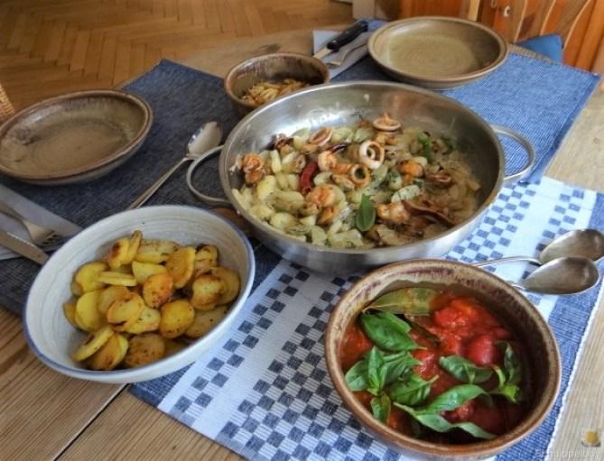 Schmorgurke, Tomatenragout, Meeresfrüchte (25)