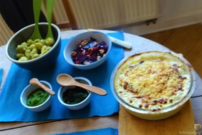 Kartoffelgratin,Salate, (3)