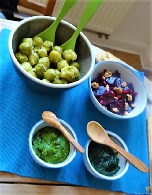 Kartoffelgratin,Salate, (8)