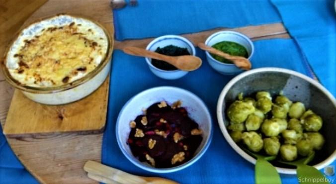 Kartoffelgratin,Salate, (9)