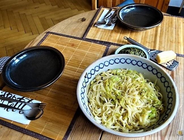 Linguine mit gebratenem Spitzkohl,Basilikum , Pesto, 17.10.19 (14)