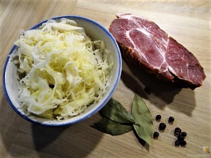 Sauerkraut, Kartoffeltaler, Kassler, (18).JPG