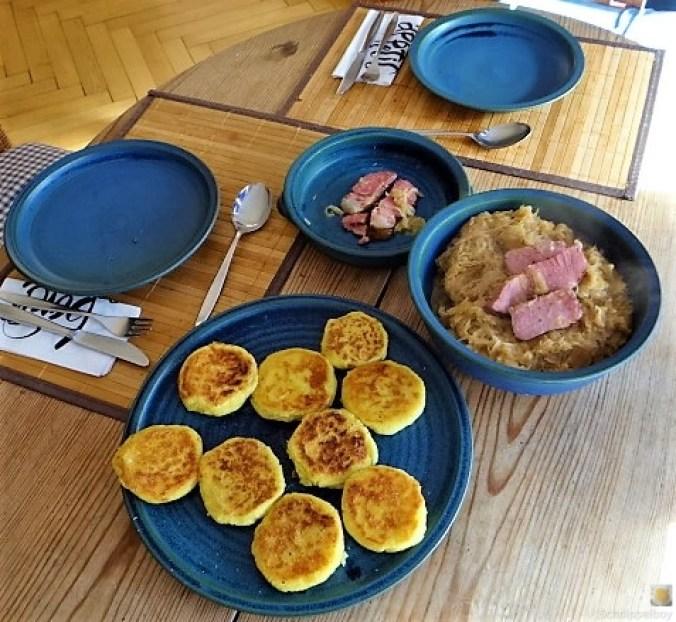 Sauerkraut, Kartoffeltaler, Kassler, (5)