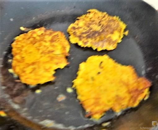 Kürbisrösti,Lachs,Salat,Rhabarberkompott (14)