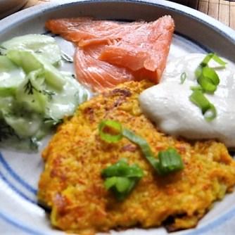Kürbisrösti,Lachs,Salat,Rhabarberkompott (23)