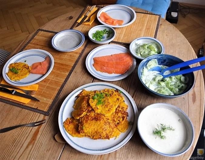 Kürbisrösti,Lachs,Salat,Rhabarberkompott (6)